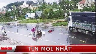 ⚡ Tin mới nhất | Ba người đi trên xe máy va chạm bị xe tải tông thương vong