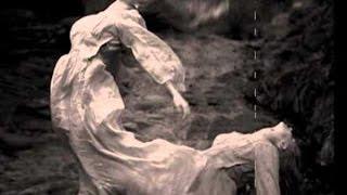 যে গান শুনে আত্মহত্যা করেছে শত লোক !!সুন্দরী এক নারী গানটি প্লেয়ারে চালিয়ে আত্মহত্যা করেছিলেন!