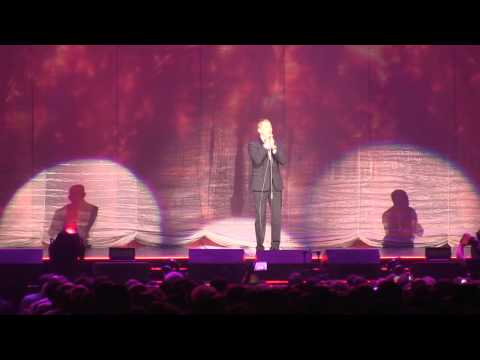 Michael Bublé performs 'Fever' at Bradley Center concert