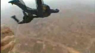 ATENCION Chequen lo que no debe hacerse en paracaidas