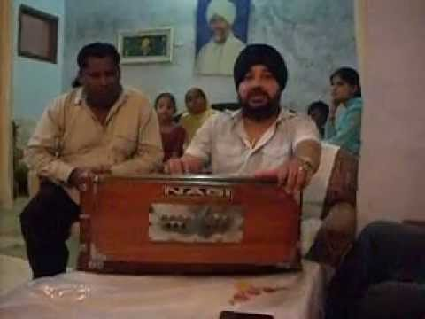 Shaukat Ali Diwana in his old home & Daler Mehandi while singing...