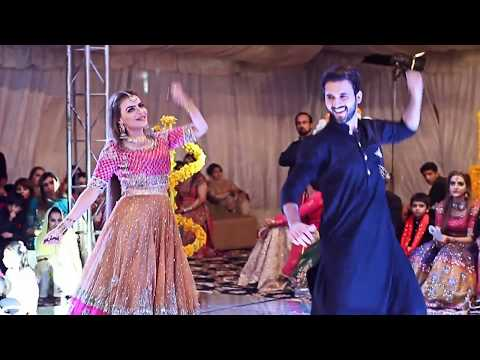 Performance By Dolly LEO At Mehndi