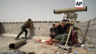 Iraqi forces battle IS group in western Mosul