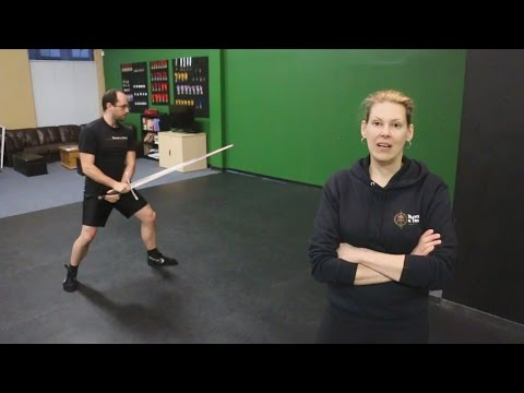 An introduction to stance and footwork in sword fighting (HEMA)