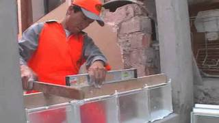 Play youtube video vitroblock s a video instructivo de - Colocacion de bloques de vidrio ...