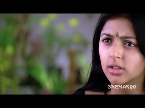 Bhoomika navel show - Kushi Movie - Attharintiki Daaredhi Hero...