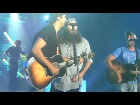 Willie Robertson Singing with Darius Rucker and Luke Bryan SAM_0581