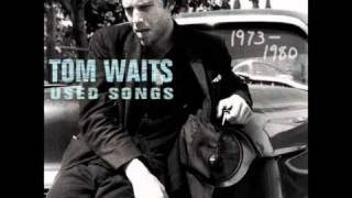 Watch Tom Waits Step Right Up video