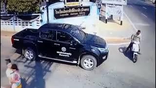 FUNNY DRIVERS, EPIC FUNNY DRIVING FAILS WEEK 1 APRIL 2017 4YzmnAM3tKo