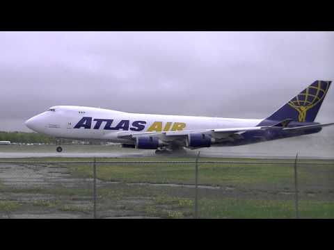 Amazing Massive Airplane Landing !!! video