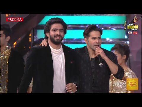 Amaal Mallik and Varun Dhawan perform to Ashiq Surrender Hua at the 9th Mirchi Music Awards | #RSMMA