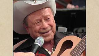 "Little Jimmy Dickens pays tribute to Grandpa Jones with ""Mountain Dew"""