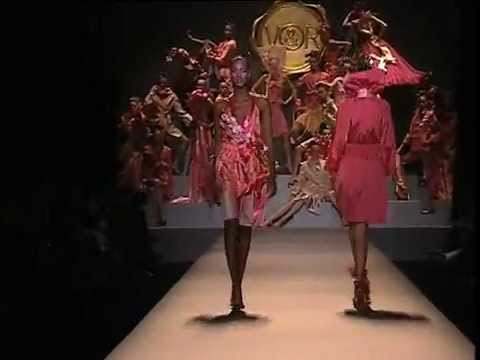 Viktor & Rolf Spring 2005 Fashion Show (full)