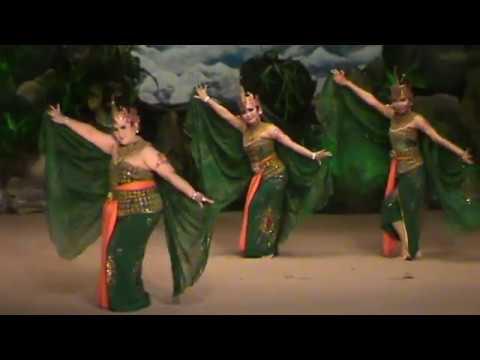 Beksan Merak Jateng By Sandra Prastiwi & Friends (tri, Okie, Putri & Yuni) video