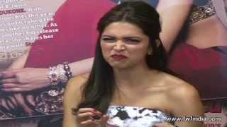 Deepika Padukone REACTS to Priyanka's Ramleela ITEM SONG