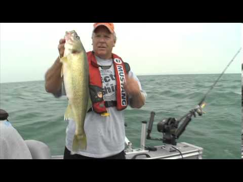 Trolling for Monster Walleye - Dave Mercer's Facts of Fishing THE SHOW