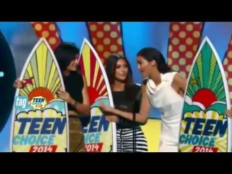 Kim, Kendall Jenner & Birthday Girl Kylie - Teen Choice Awards 2014!