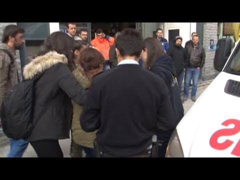İstiklal Caddesi'nde İsrailli Kadının Başına Tahta Düştü