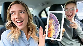 They Expected a Ride, We Gave Them New Phones, AirPods, and More! – Carpool Challenge