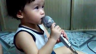 Bé Susu Hát karaoke.