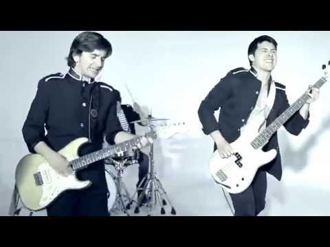 Botas Mojadas - Tu canción (Videoclip oficial)