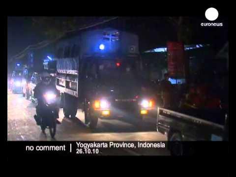 Tsunami/volcano rescue in Indonesia - no comment