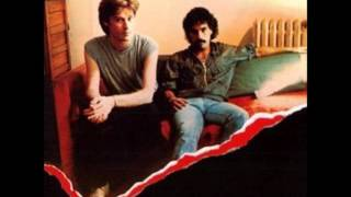 Watch Hall  Oates Dont Blame It On Love video