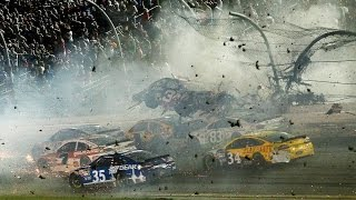 Impactante accidente en NASCAR - Daytona 2015 - 30 espectadores heridos