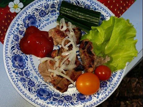 Приготовление нежного, вкусного шашлыка из свиной шеи с минералкой