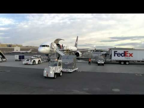 FedEx 757 Freight download and upload timelapse