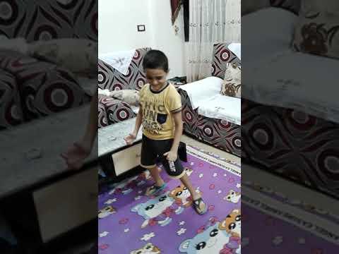 طفل يرقص علي كيكي. .......رهيب😂 thumbnail