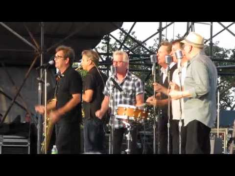 Huey Lewis And The News - Little Bitty Pretty One