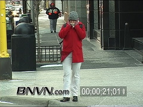 3/11/2004 Video of people in extreme cold weather in Minneapolis, MN