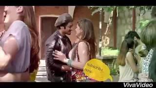 Zarine Khan ar hot & sexy kiss 😍