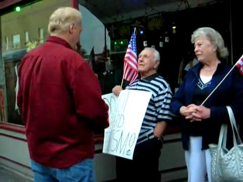 Communist Liberal Tells Tea Party Member that Vietnam Vets are Traitors and are terrorists