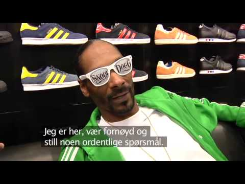 Snoop Dogg  angry at reporter in Norway.