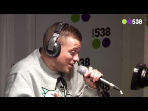 Gers Pardoel - Ik Neem Je Mee (live bij Friday Night Live)