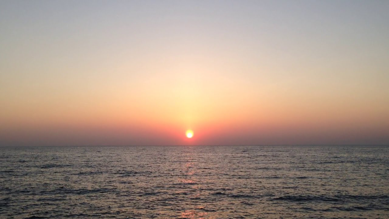 Sun rise at kanyakumari - Picture of Kanyakumari Beach Sunrise in kanyakumari pictures