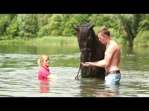 Horse and Hunk kalender 2014