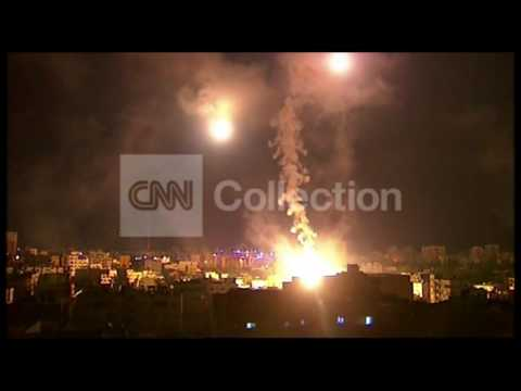 MIDEAST: GAZA SKYLINE BLASTS MONDAY (STRONG VIDEO)