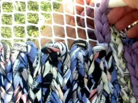 Tutorial alfombra de trapilho tejida en malla youtube - Como hacer alfombras de trapillo trenzadas ...