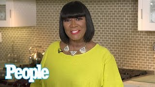 Patti LaBelle Teaches You How To Make Her Famous Lemon Bars! | People NOW | People