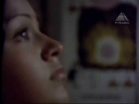 Darisanam Kidaikkada - Alaigal Oivathillai - Karthik & Radha video