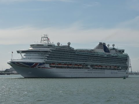 Cruise Ships departing from Southampton - 04/07/2015