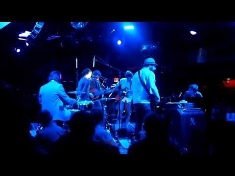 "Glen Hansard / Lisa Hannigan / Doveman - ""Who Knows Where the Time Goes"" (2011-06-24)"