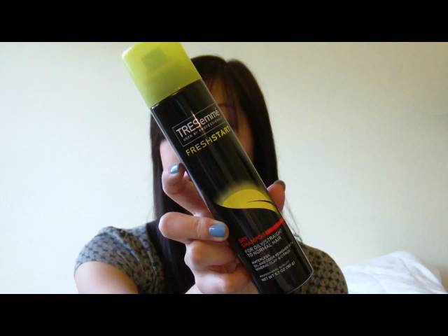 Dry Shampoo to Absorb Oily Second Day Hair