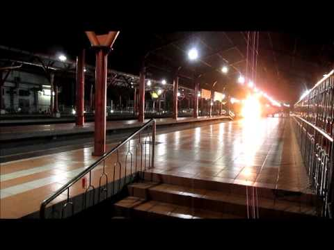 di Stasiun Tugu Yogyakarta