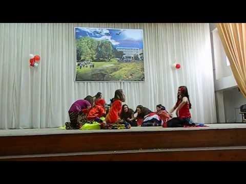 "19. 03. 2013. 7B - L.T. Onisifor Ghibu - Festivalul ""Calatorie in orashul Tolerantsei"" Romii (Tsiganii)"