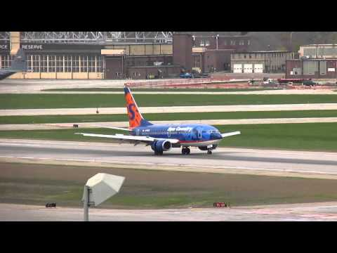 Sun Country Airlines [N713SY] B737-7Q8 Landing with a Little Float