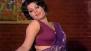 Sanjeev Kumar, Sulakshana Pandit, Uljhan -  Romantic Scene 6/21